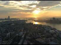 ホテル大阪ベイタワーから海遊館、天保山方面の夕日の眺め
