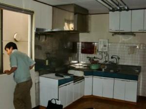 改修前、台所の様子