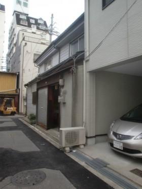 玄関、Before
